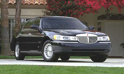 Lincoln Town Car Signature Series Review