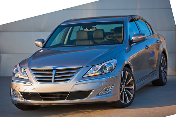 Captivating 2013 Hyundai Genesis Sedan