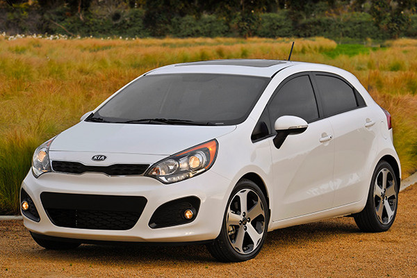 Kia Rio By John Leblanc in addition Kia Reveals New K Forte Cerato In Korea Video Photo Gallery in addition Kia Rio Interior in addition Kia Rio Door Hatchback Sx F Q in addition Kia Rio Door Front. on 2013 kia rio fuel economy