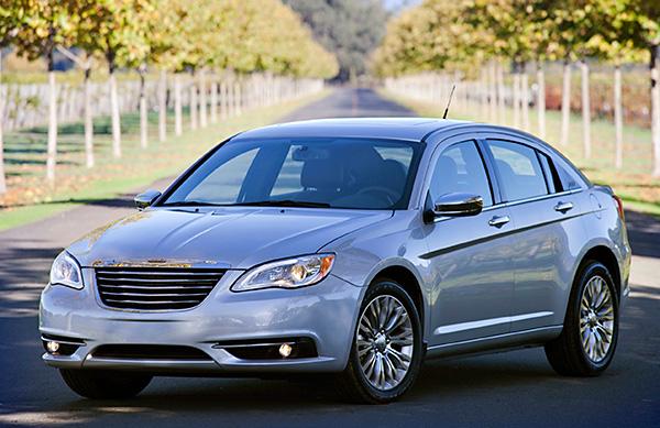 2013 Chrysler 200 Review