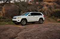 15-grandcherokee-driving-2